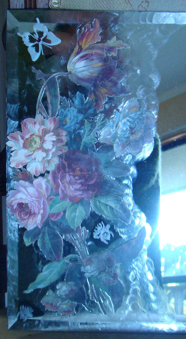 Mirror Tile 'Victoria' close up